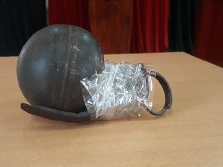 Khống chế 2 tên tội phạm ma túy cố tình tháo chốt lựu đạn chống trả ảnh 1