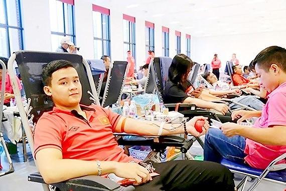 Nhiều hoạt động hiến máu tình nguyện ảnh 1