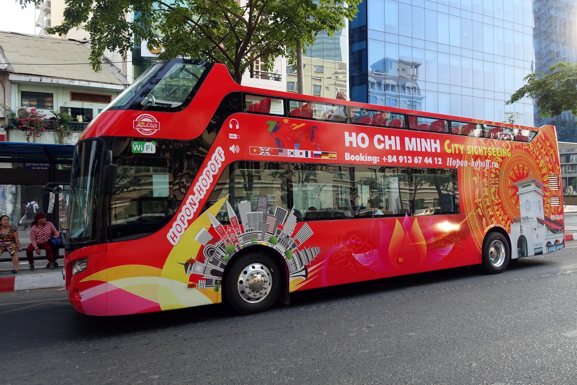 Khai trương tuyến xe buýt du lịch mui trần tham quan TP.HCM ảnh 1