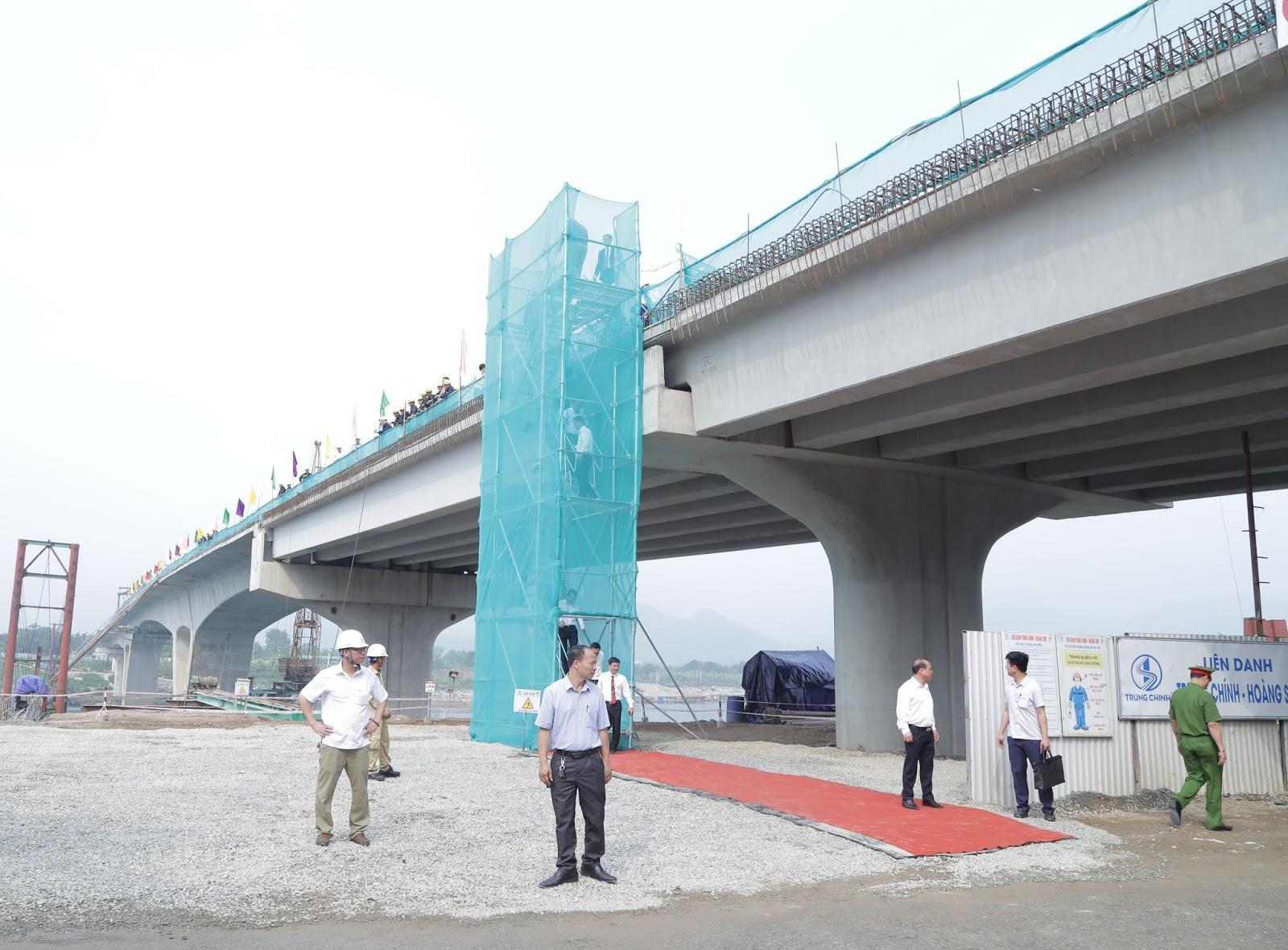 Thông xe kỹ thuật công trình cầu Hòa Bình 3 và đường dẫn ảnh 1