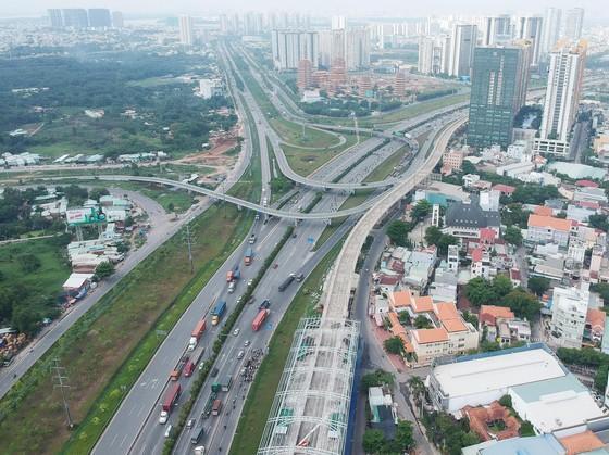 Nghiên cứu xây dựng đường trên cao tại TPHCM ảnh 1