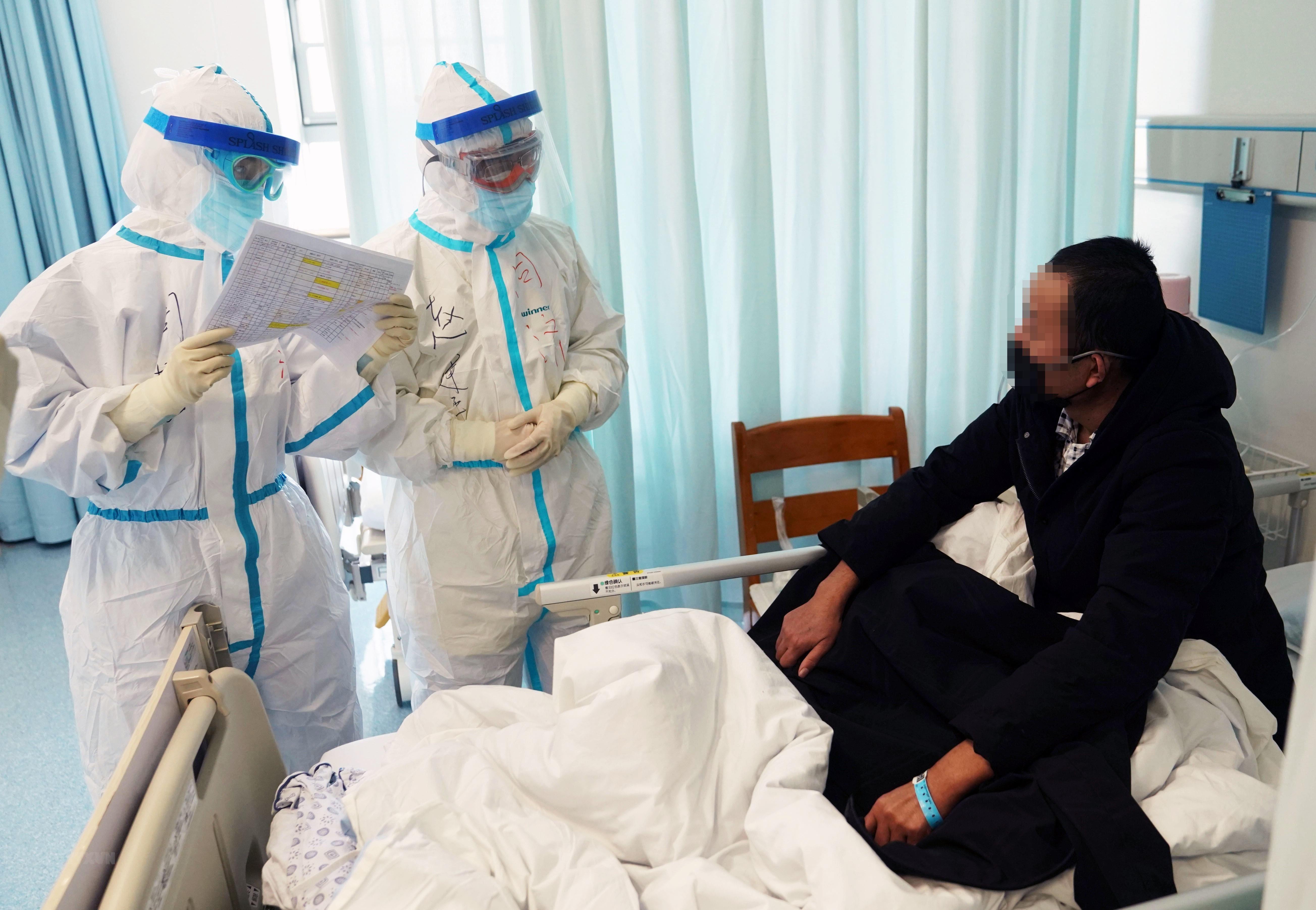 Số xuất viện vượt số nhiễm mới COVID-19, Trung Quốc thêm lạc quan ảnh 1