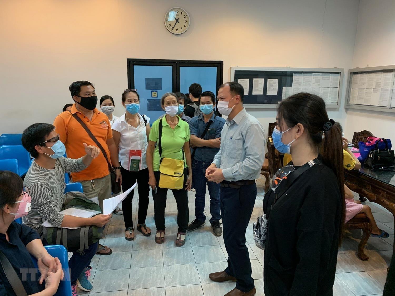 Đại sứ quán Việt Nam tại Thái Lan hỗ trợ công dân về nước ảnh 1