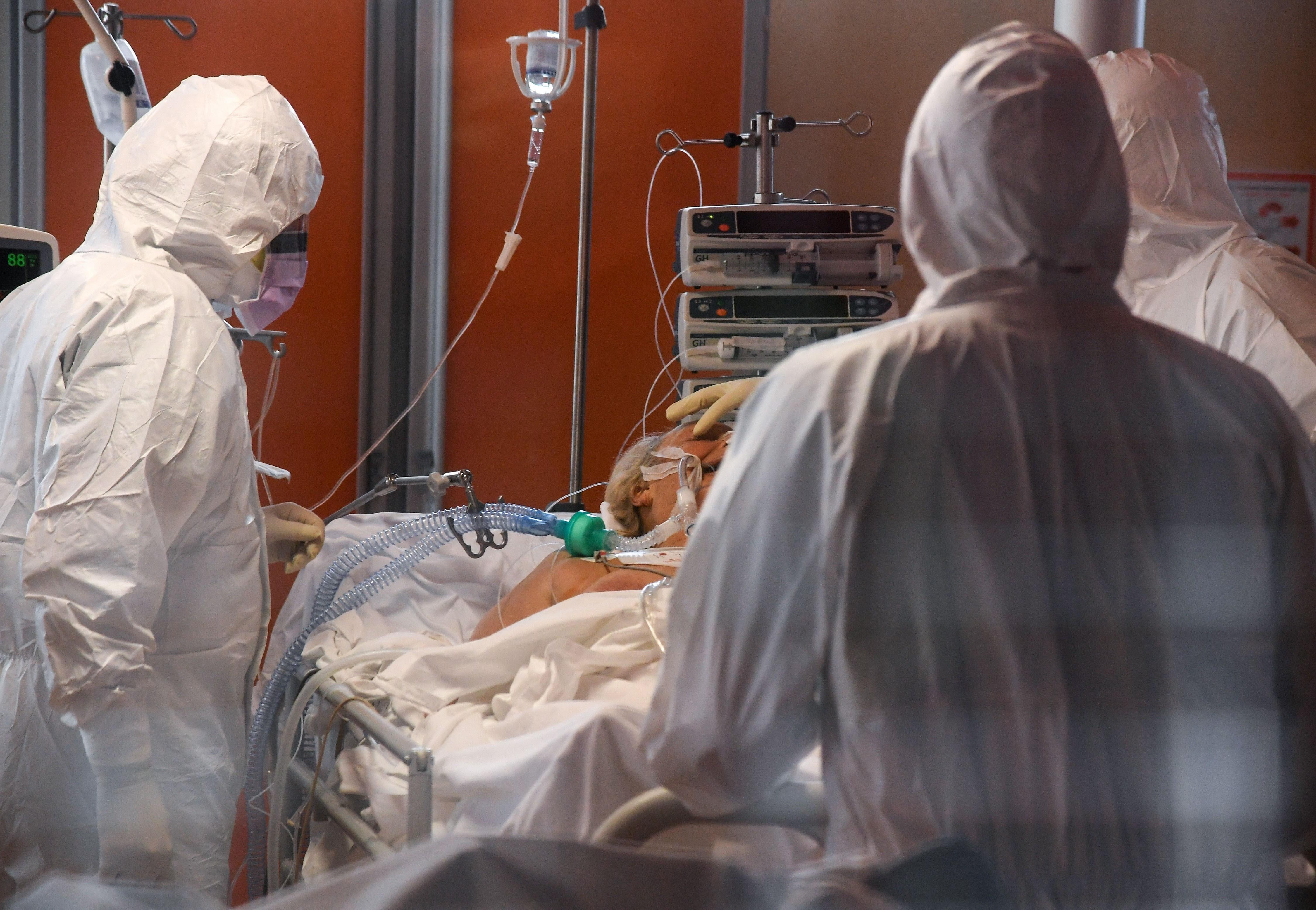 Hơn 50 bác sỹ tại Italy đã thiệt mạng vì virus SARS-CoV-2 ảnh 1