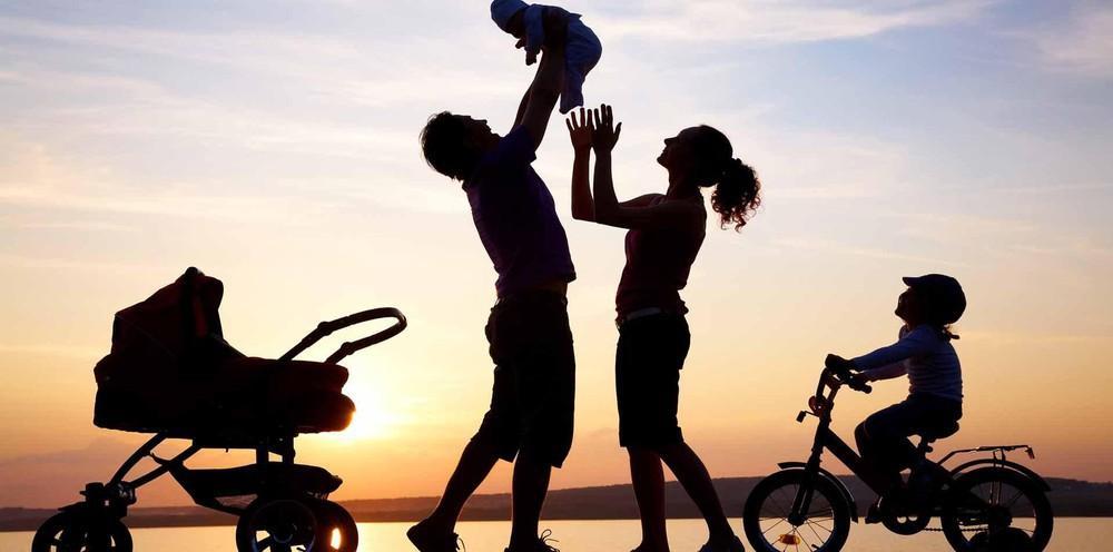 Nhiều chính sách hỗ trợ, khuyến khích các cặp vợ chồng sinh đủ 2 con ảnh 1
