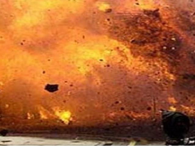 Hình ảnh Nga cho nổ tung điểm buôn lậu dầu ở miền bắc Syria ảnh 1