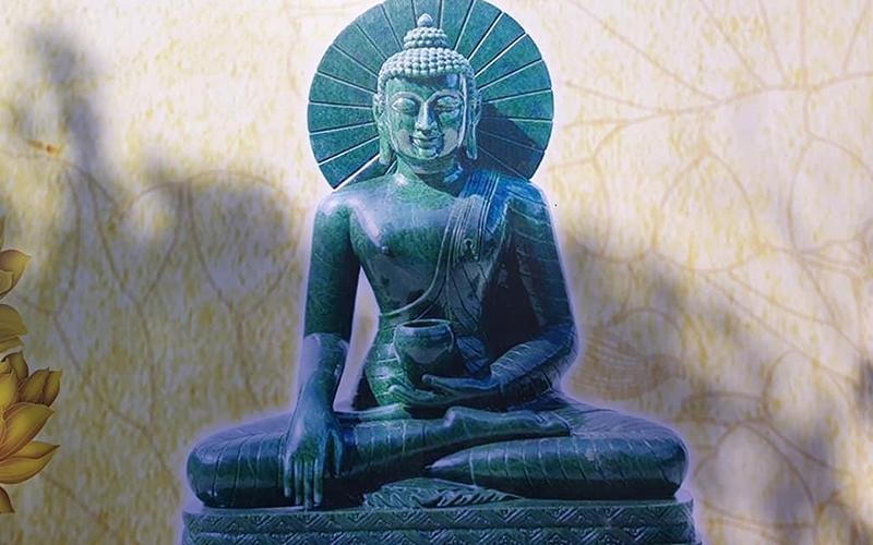 Rước tượng Phật ngọc nguyên khối nặng 3,8 tấn về chùa Quỳnh Lâm ảnh 1