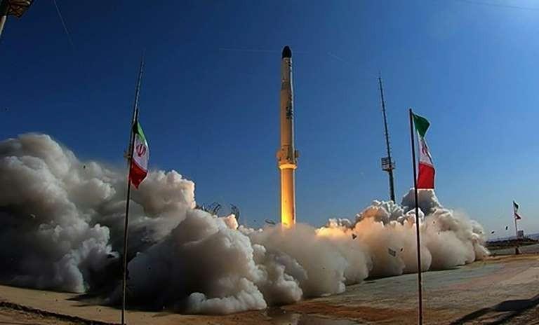 Lôi kéo Mỹ trở lại thỏa thuận hạt nhân, Iran lại tập trận bộ binh ảnh 1