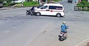 Xe cấp cứu tư nhân tông chết người đàn ông đi xe máy ảnh 1