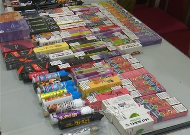 Phát hiện 2 vụ vận chuyển trái phép, thu giữ hơn 4.500 điếu thuốc lá điện tử ảnh 1