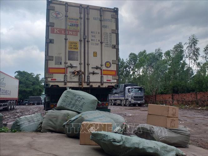 Tây Ninh: Thu giữ 57 tấn hàng hóa không có hóa đơn, chứng từ nhập từ Campuchia ảnh 1