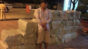 Nửa đêm bắt ô tô chở gần 15.000 gói thuốc lá lậu