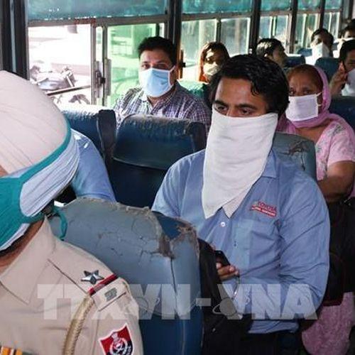 Ấn Độ ghi nhận số ca nhiễm mới COVID tăng kỷ lục