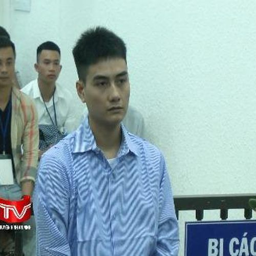 Lĩnh án 5 năm tù vì buôn bán trái phép sừng tê giác
