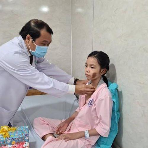 Sài Gòn ITO miễn phí điều trị cho 3 học sinh bị cây đè