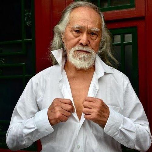 Cụ ông hơn 80 tuổi và màn catwalk nổi tiếng tại Trung Quốc