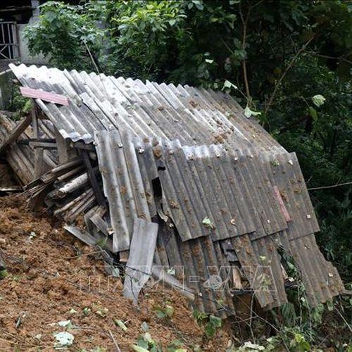 Mưa lớn gây nhiều thiệt hại về người và tài sản tại các địa phương