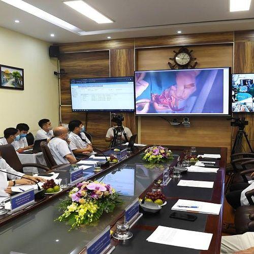 Ca mổ tim trực tuyến đầu tiên tại Việt Nam được thực hiện thành công