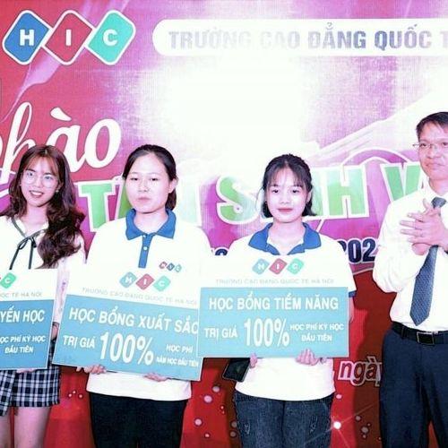Trường CĐ Quốc tế Hà Nội tổ chức gala chào tân sinh viên năm 2020