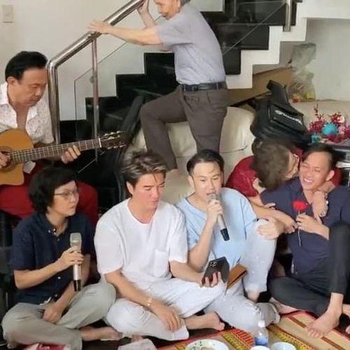 Đàm Vĩnh Hưng và sao Việt mừng sinh nhật mẹ nghệ sĩ Hoài Linh