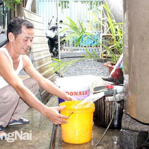 Một số khu vực, người dân vẫn 'khát' nước sạch