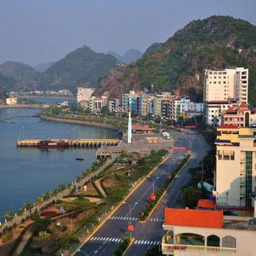 Hải Phòng: Đề xuất trồng hoa hai bên đường xuyên đảo Cát Bà