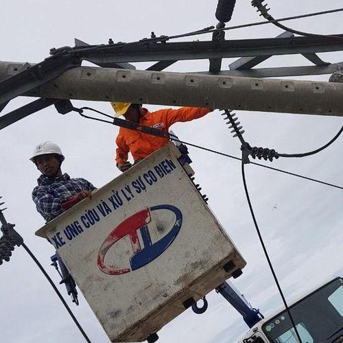 Vì sao bão không lớn nhưng hơn 400 cột điện bị gãy?