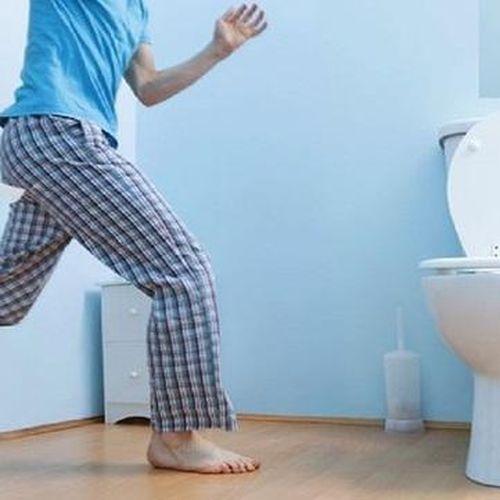 4 thói quen xấu trong nhà vệ sinh làm giảm tuổi thọ, điều thứ nhất ai cũng mắc phải