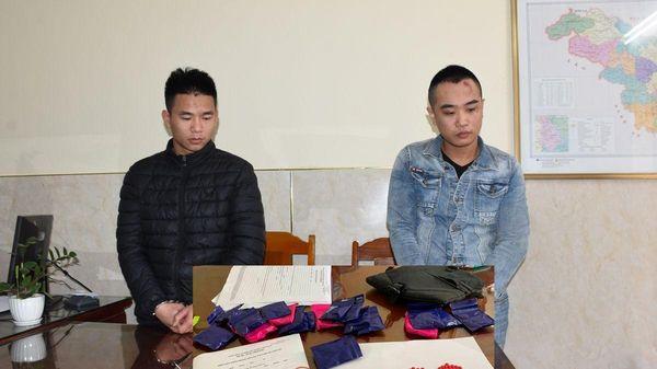 Đang giao dịch 3.800 viên ma túy trong quán cà phê thì bị bắt giữ