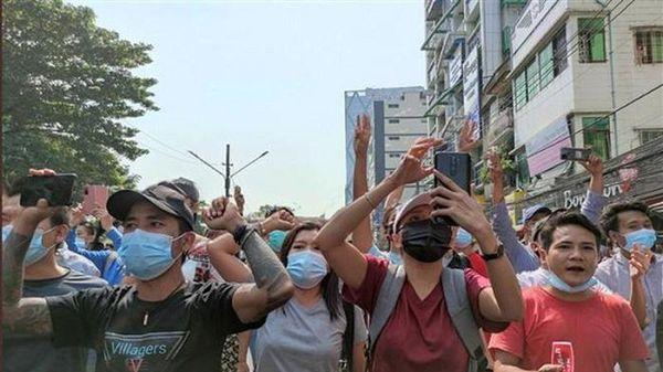 Facebook ngừng hoạt động ở Myanmar do biến cố chính trị