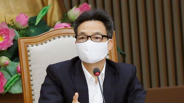 Phó thủ tướng: 'Phải thắng dịch Covid-19 bằng công thức của Việt Nam'