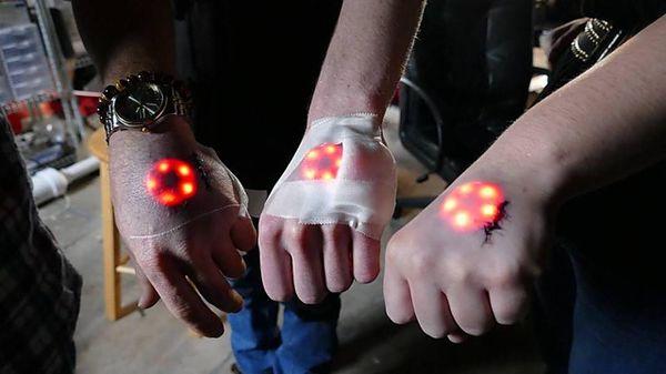 Hình xăm OLED phát sáng, không cần phẫu thuật để xóa