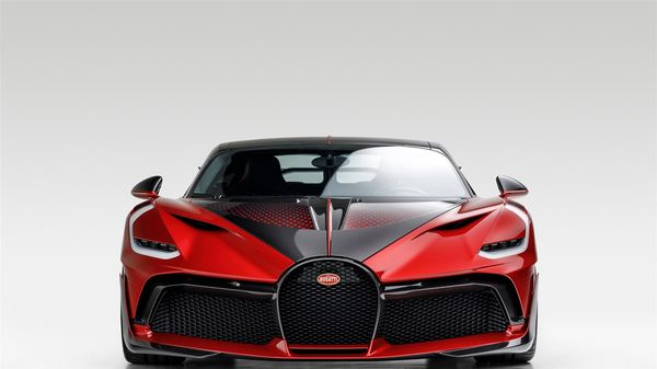 Bugatti Divo Lady Bug với màu sơn đặc biệt, mất 2 năm để hoàn thành