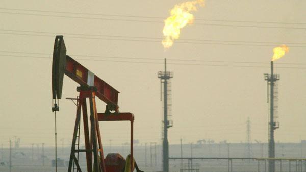 Giá dầu tiến sát 70 USD, ghi nhận tuần leo dốc thứ 7 liên tiếp
