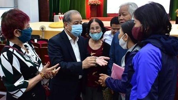 Chủ tịch tỉnh Thừa Thiên Huế đối thoại với các hộ dân trong dự án lịch sử