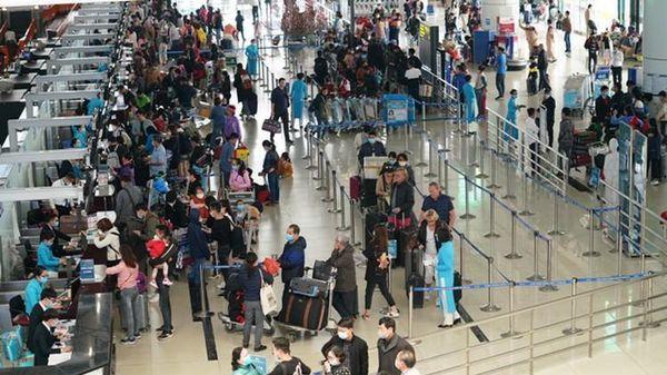Hành khách lấy trộm đồng hồ của người khác quên ở Nội Bài, bị 'tóm' ở Cần Thơ
