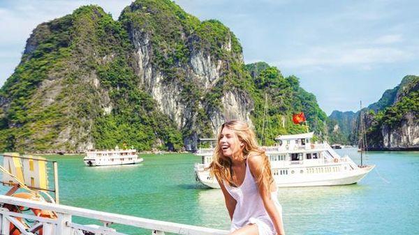 Khi nào Việt Nam có thể đón khách du lịch quốc tế?