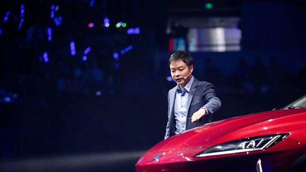 Tỷ phú Trung Quốc trong cuộc đua phát triển xe hơi điện