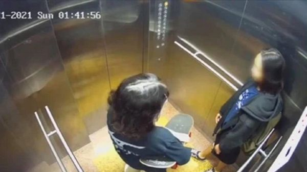 Thông tin gây bất ngờ vụ 2 nữ sinh lên sân thượng chung cư rồi gieo mình tự tử