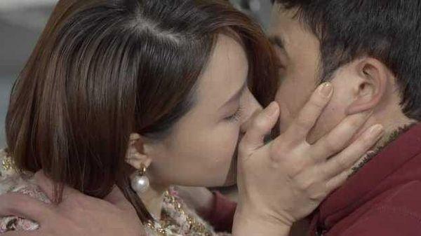 Khán giả tranh cãi về màn cưỡng hôn của Hồng Diễm