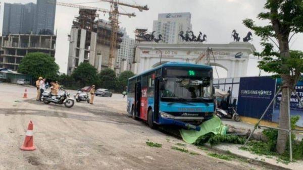 Xe buýt đâm người bộ hành tử vong tại quận Bắc Từ Liêm