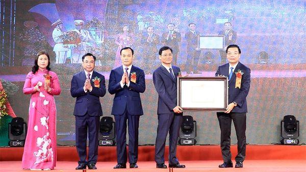 Thạch Thất đón nhận Bằng công nhận huyện đạt chuẩn nông thôn mới