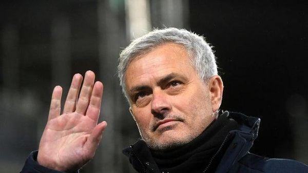 HLV Mourinho bị Tottenham sa thải