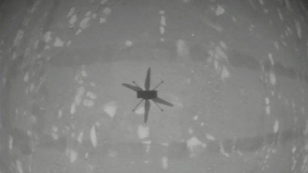 NASA tạo nên lịch sử với chuyến trực thăng đầu tiên cất cánh trên sao Hỏa