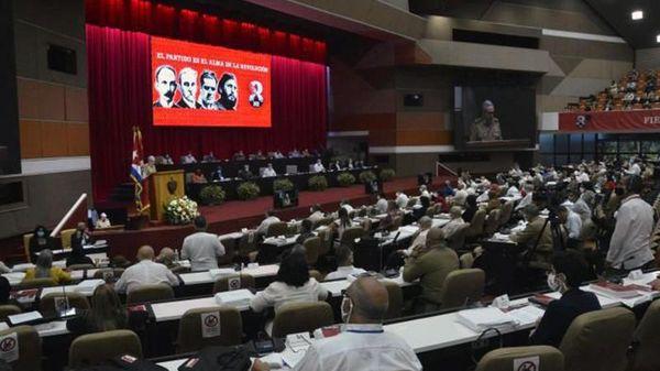 Ðồng chí Mi-ghen Ði-át Ca-nên được bầu làm Bí thư thứ nhất Ðảng Cộng sản Cu-ba
