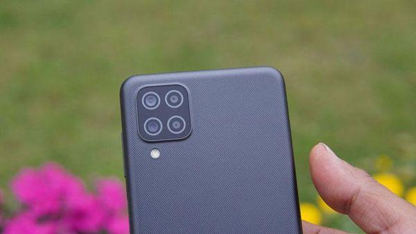 Samsung Galaxy M12 với RAM 6 GB, pin 6.000 mAh, 4 camera sau, giá hơn 4 triệu