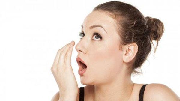 2 công thức đơn giản giúp bạn chữa hôi miệng tại nhà