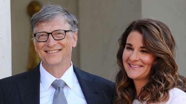 Vợ chồng tỷ phú Bill Gates ly hôn, siêu mẫu Hà Anh viết tâm thư khuyên bạn trẻ 'hãy cứ yêu đi'