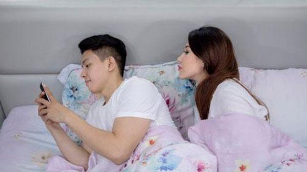 4 dấu hiệu đàn ông đang lừa dối trong tình yêu, phụ nữ không muốn khổ phải lập tức chia tay