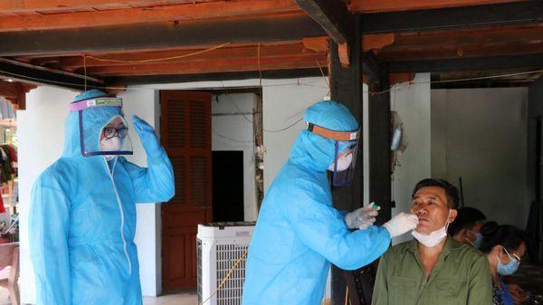 181/219 F1 liên quan đến bệnh nhân 2977 đã âm tính lần 1 với SARS-CoV-2